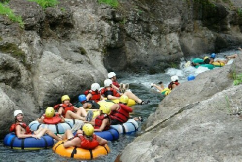 white_water_tubing_guachipelin_tour_picture_1