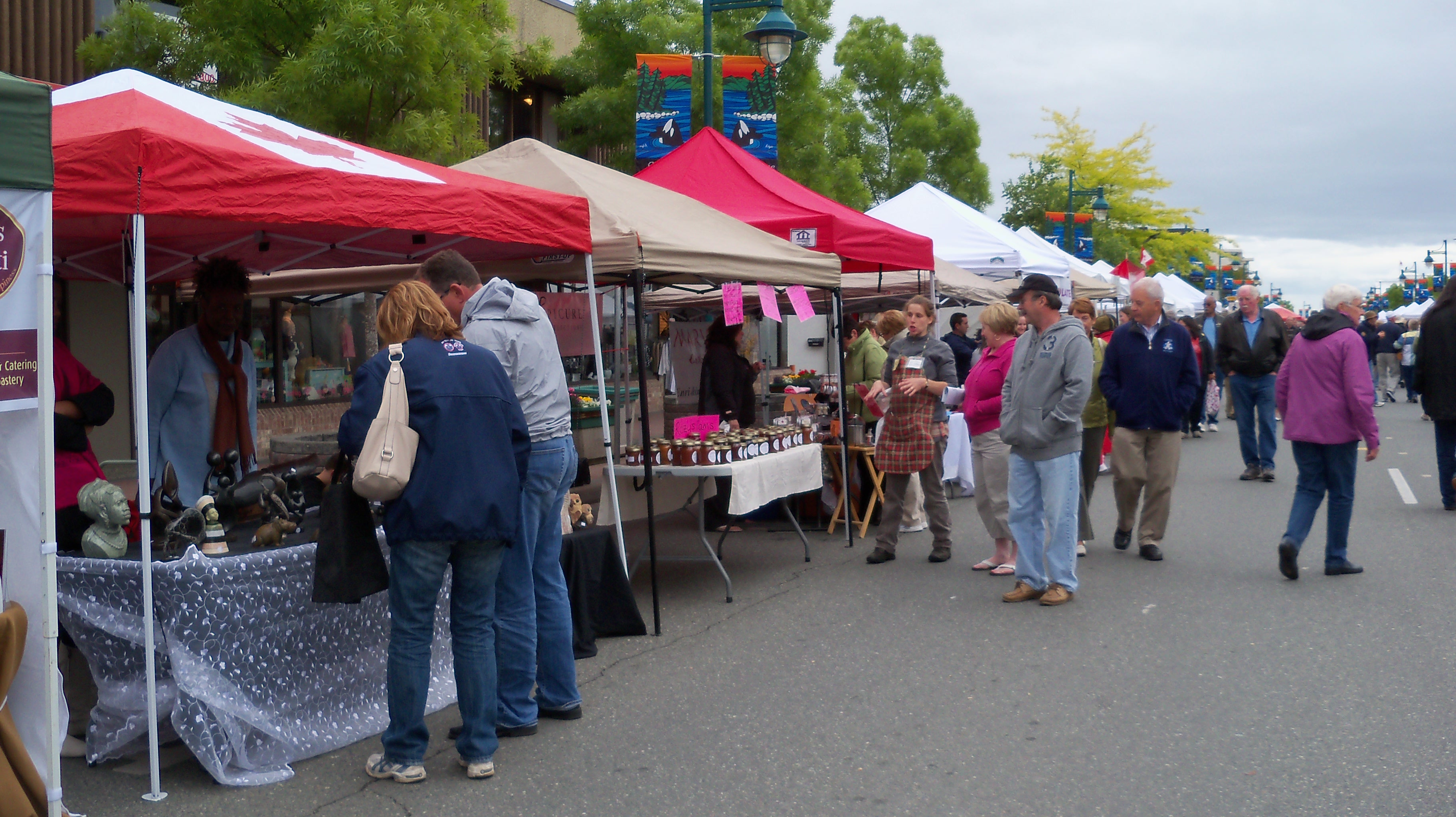 Over ... & SIDNEY SUMMER MARKET THE LARGEST STREET MARKET IN B.C | Cheryl ...
